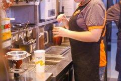 海外特许经营权coco都可茶饮需要满足哪些条件?在海外开一家店只需要六点钟。