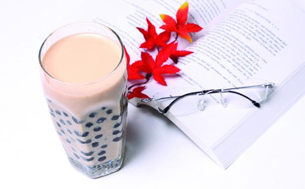 珍珠奶茶加盟七杯茶品牌,人气高涨成万人迷
