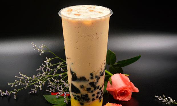 八婆婆烧仙草的奶茶实拍图