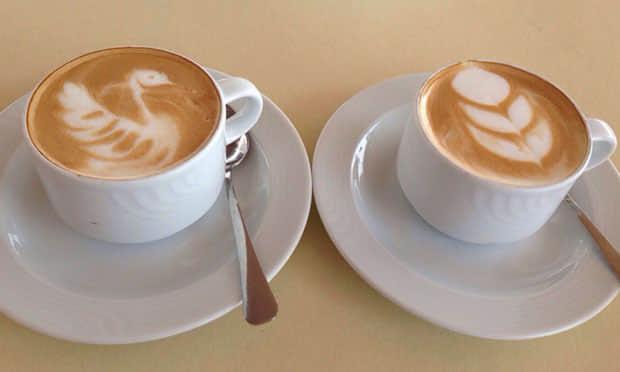 车库咖啡美式拉花咖啡